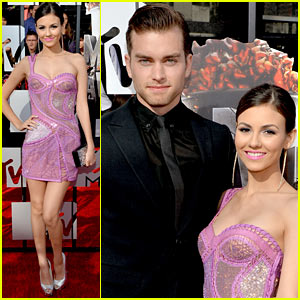 Victoria Justice & Pierson Fode Are Such a Cute Couple at MTV Movie Awards 2014!