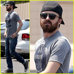 Aaron Paul Sports Scruffy Beard for Memorial Day Weekend