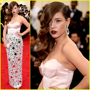 Adele Exarchopoulos Is Fabulously Fierce at Met Ball 2014!