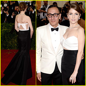 Anna Kendrick is the Epitome of Hollywood Glamour at Met Ball 2014