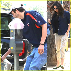 Ashton Kutcher is Such a Gentleman For Pregnant Mila Kunis!