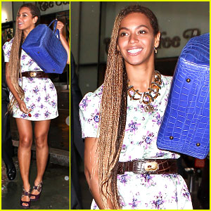 Beyonce Can't Stop Smiling Despite Getting Caught in the Rain