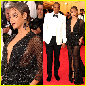 Beyonce & Jay Z Are Pure Perfection at Met Ball 2014