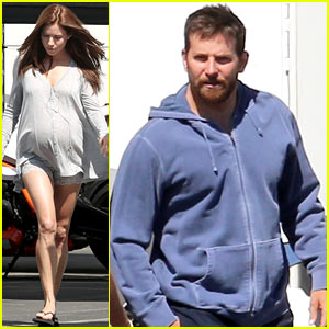 Bradley Cooper & Sienna Miller Get All Prepped for a Day of Filming 'American Sniper'