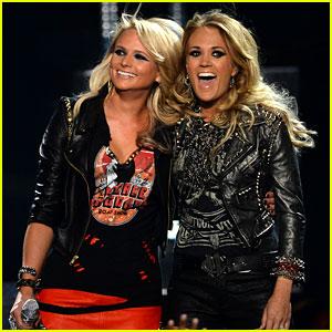 Carrie Underwood & Miranda Lambert Perform 'Somethin' Bad' at Billboard Music Awards 2014!