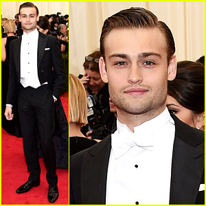 Douglas Booth Is One Dapper Dude at Met Ball 2014