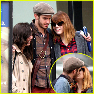 Emma Stone Reads Mean Tweets; Shares Mid-Walk Kiss with Andrew Garfield