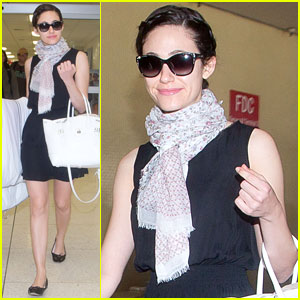 Emmy Rossum Lands in Los Angeles After Missing Flight!