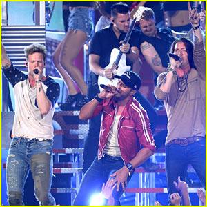 Florida Georgia Line & Luke Bryan Perform 'This is How We Roll' at Billboard Music Awards 2014 (Video)