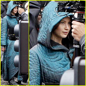 Jennifer Lawrence Covers Up Her 'Hunger Games: Mockingjay' Costume with Big Blue Coat!