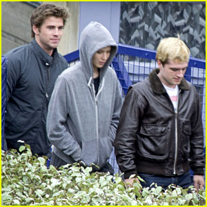 Jennifer Lawrence, Liam Hemsworth, & Josh Hutcherson Keep Close on 'Mockingjay' Paris Set!