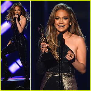Jennifer Lopez Performs 'First Love', Accepts Billboard Icon Award - Watch Now!