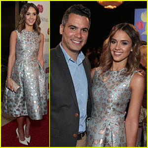 Jessica Alba Stuns as Mother of the Year at Mother's Day Luncheon!