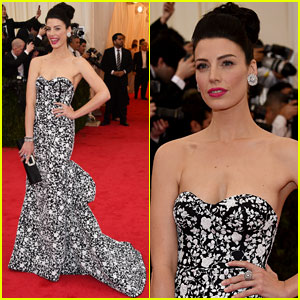 Jessica Pare Stuns in Floral Print on Met Ball 2014 Red Carpet