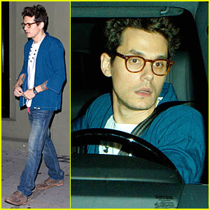 John Mayer Gets Inspired By Guitar Players Who Play His Songs Well!