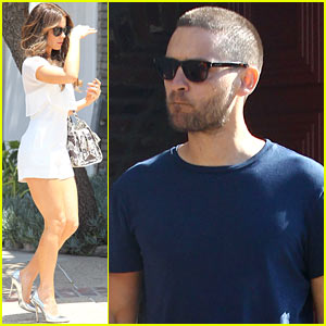 Kate Beckinsale & Tobey Maguire Attend Star-Studded Memorial Day Party