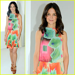 Katie Holmes Brings Social Awareness to Bring Back Our Girls Movement!