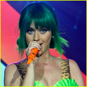 Katy Perry Performs 'Birthday' for Billboard Music Awards 2014 (Video)