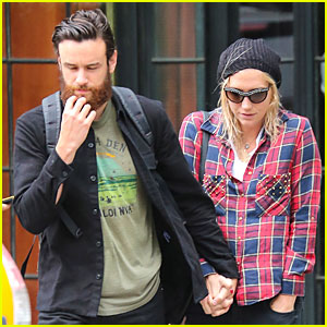 Kesha & New Boyfriend Brad Ashenfelter Hold Hands in NYC!