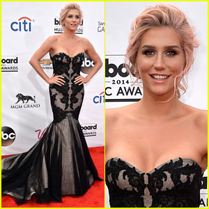 Kesha Goes Black & Lacy at the Billboard Music Awards 2014!