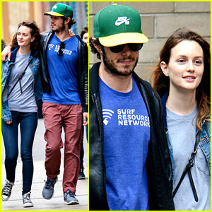 Leighton Meester & Adam Brody Are the Cutest Couple in NYC!