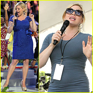 Megan Hilty Is Feeling Blue at Memorial Day Concert Rehearsals!
