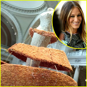 Met Ball 2014: Sarah Jessica Parker Shares Behind the Scenes Prep Photos!