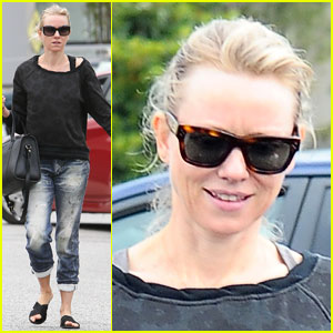 Naomi Watts Works Out with Her BFFs!