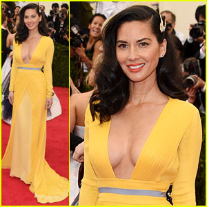 Olivia Munn Shows Major Cleavage on Met Ball 2014 Red Carpet