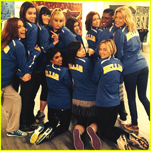 Anna Kendrick & All the Bellas Unite on 'Pitch Perfect 2' Set!