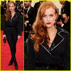 Riley Keough Rocks Louis Vuitton on Met Ball 2014 Red Carpet