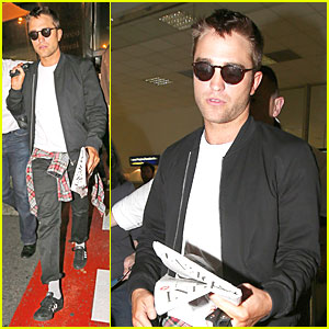 Robert Pattinson Flies to Nice to Promote 'Maps to the Stars' at Cannes!