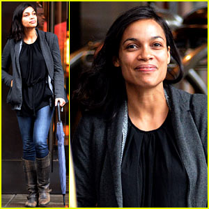 Rosario Dawson Doesn't Let the Rainy Day Get Her Down!