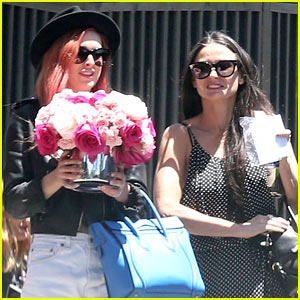 Rumer & Tallulah Willis Spend Mother's Day with Mom Demi Moore!