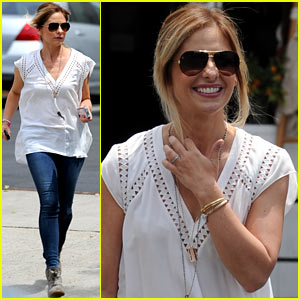 Sarah Michelle Gellar Looks to Be in Great Spirits Despite 'Crazy Ones' Cancellation