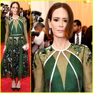 Sarah Paulson Glistens in Green on Met Ball 2014 Red Carpet