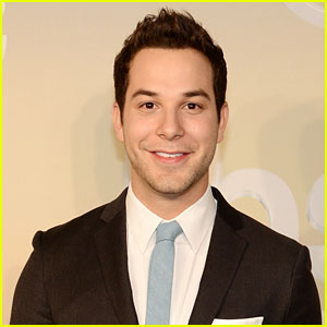 Skylar Astin is Officially Returning for 'Pitch Perfect 2'!
