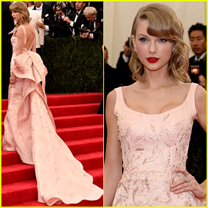 Taylor Swift Makes a Grand Entrance on the Met Ball 2014 Red Carpet