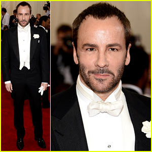 Tom Ford Hits Red Carpet at Met Ball 2014 Without Husband Richard Buckley