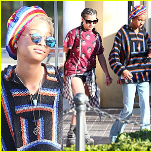 Barefoot Willow Smith Lunches with Mosies Arias & Telana Nicole