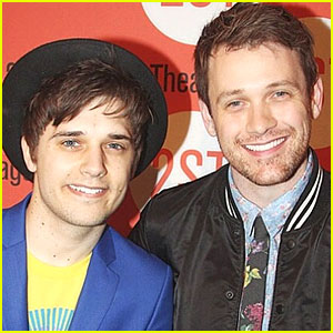 Smash's Andy Mientus: Engaged to Michael Arden!