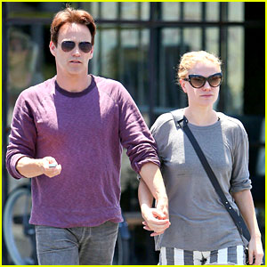 Anna Paquin & Stephen Moyer Will Spend Father's Day 'Off the Grid'