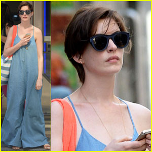 Anne Hathaway Cabs it for a Day Out in NYC!