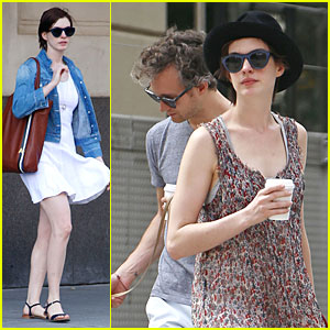 Anne Hathaway Takes 'Intern' Break to Grab Coffee With Adam Shulman!