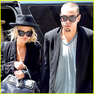 Ashlee Simpson & Evan Ross Are Totally Inseparable in NYC!