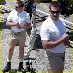 Bradley Cooper Wears the Shortest Shorts Possible While Filming 'American Sniper' (Photos)