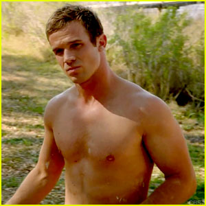 Cam Gigandet Goes Shirtless for 'Reckless' Series Premiere!
