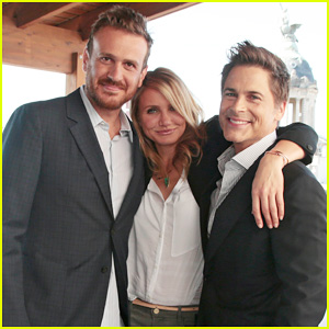 Cameron Diaz Makes Fabulous Trio with Jason Segel & Rob Lowe at 'Sex Tape' Barcelona Photo Call!
