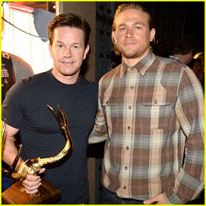 Charlie Hunnam Presents to Mark Wahlberg at Guys' Choice Awards 2014