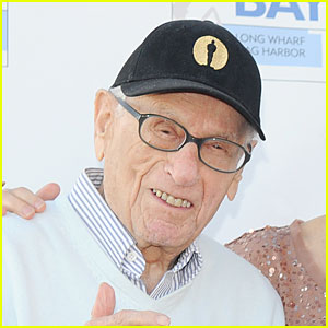 Eli Wallach Dead - Legendary Actor Dies at 98
